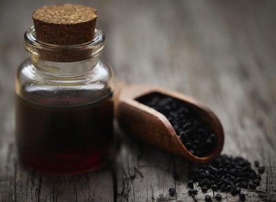 olej z czarnuszki czarnuszka